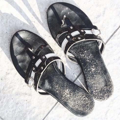 Kauan sitten vaelsin yksien sandaalien perässä Venetsian katuja monta päivää.